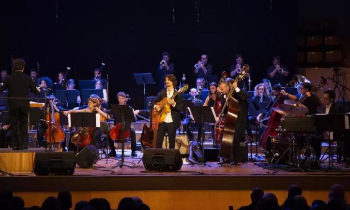 Más de 700 personas asisten al Concierto Sinfónico Jazz para el Autismo