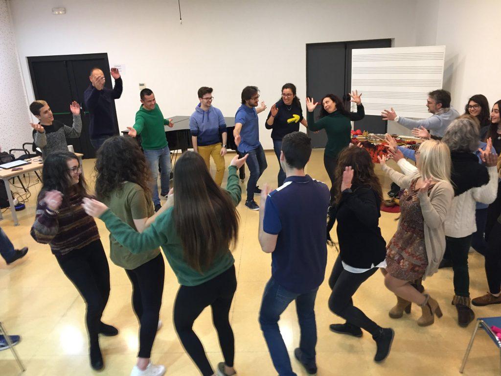 """Charla y sesión de musicoterapia en el Conservatorio Profesional """"Ciutat de Moncada"""""""
